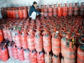 Oil Ministry may propose to hike LPG price by Rs 250 per cylinder